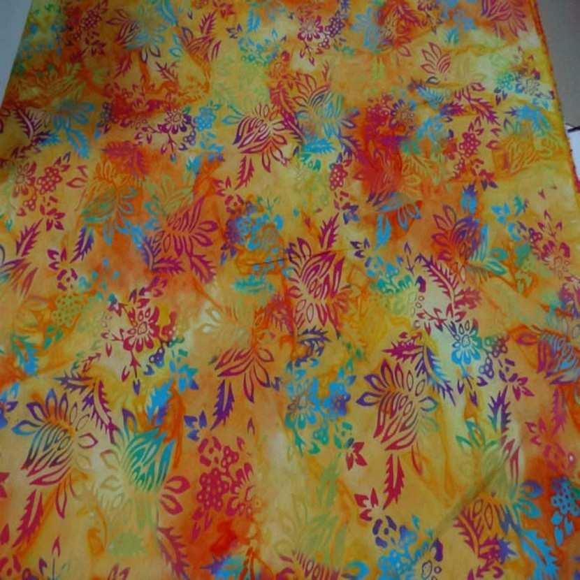 Batik motif fondu ton rouge jaune orange vert bleu