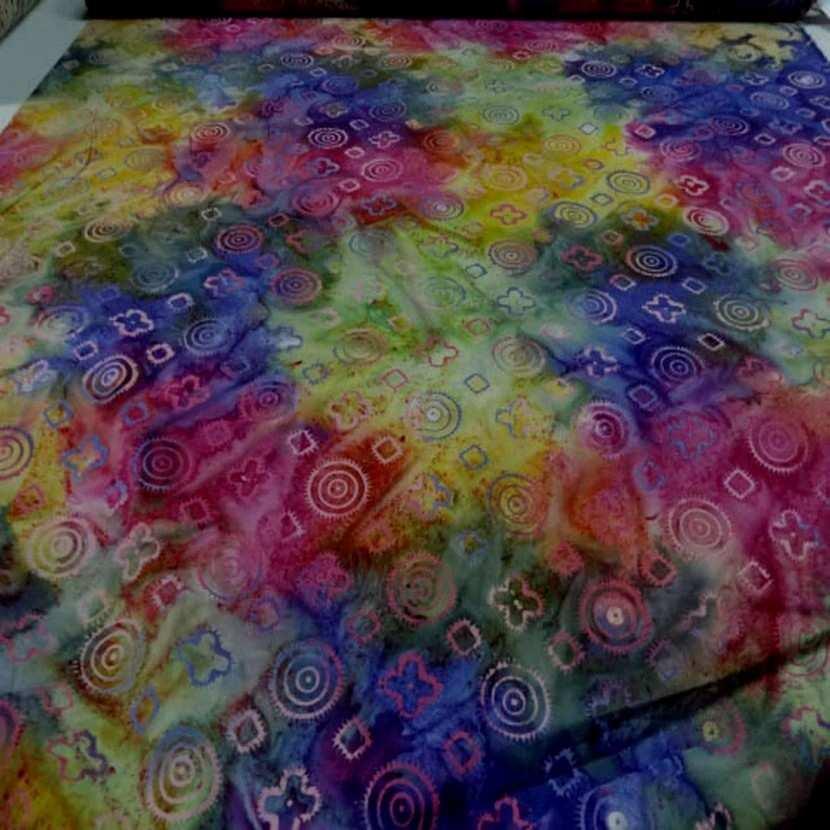Batik motif fondu ton rouge jaune vert bleu4