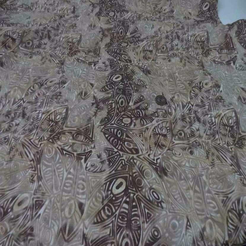 Batik motif masque africain ton beige marron