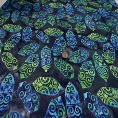 Batik motif masque africain ton vert bleu