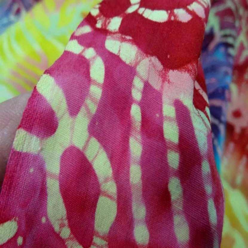 Batik ton rouge jaune bleu0