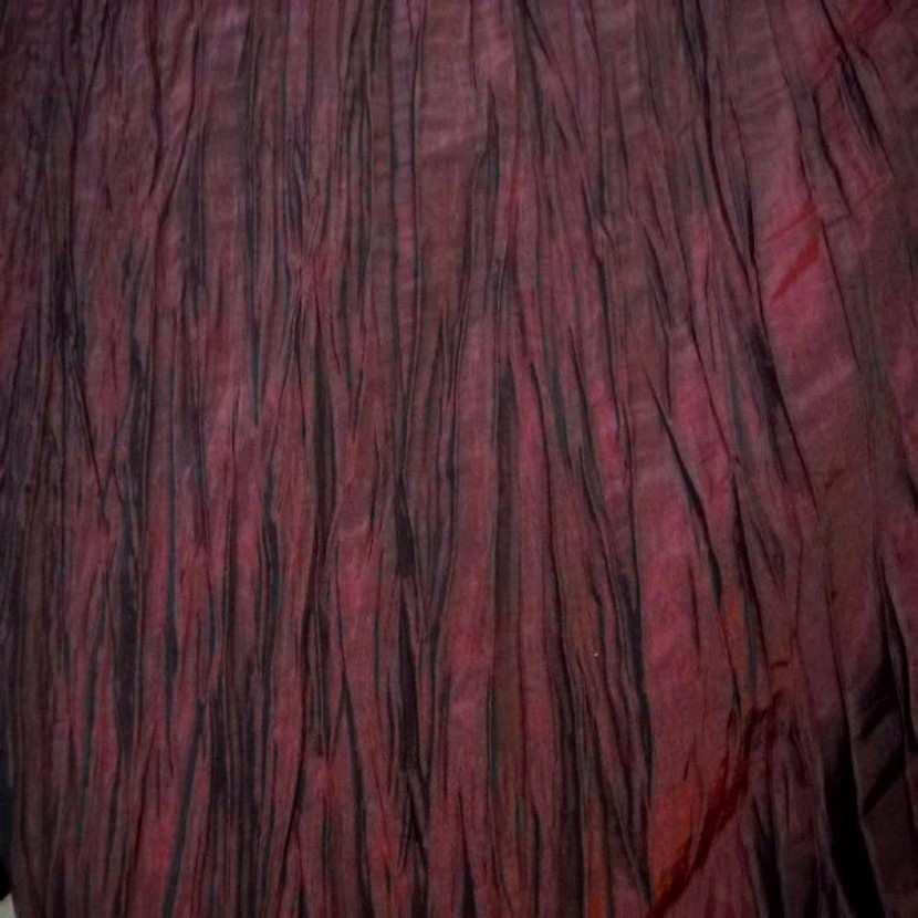 Beau taffetas froisse plisse rouge bordeaux en 1 25m de l1
