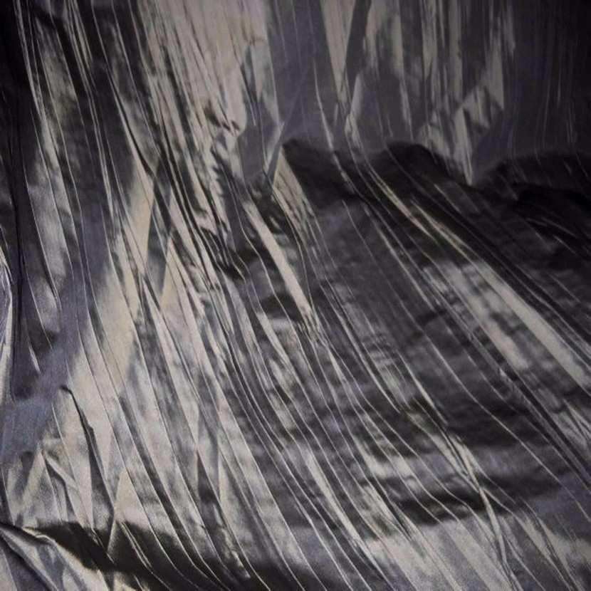 Beau taffetas plisse ton kaki en 1 35m de l5