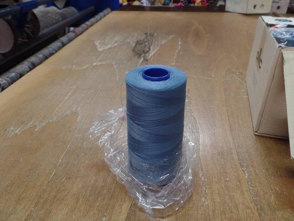 Cone de fil 5000 metres dmc couleur bleu 35 1074 4009