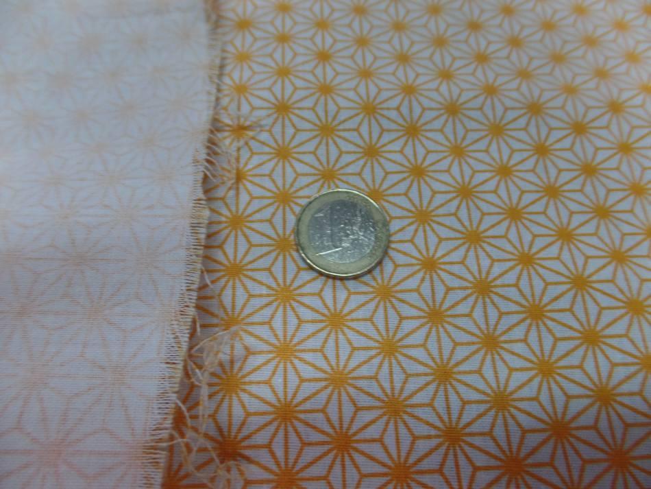Coton 100 blanc imprime geometrique jaune en 1 45m de l1