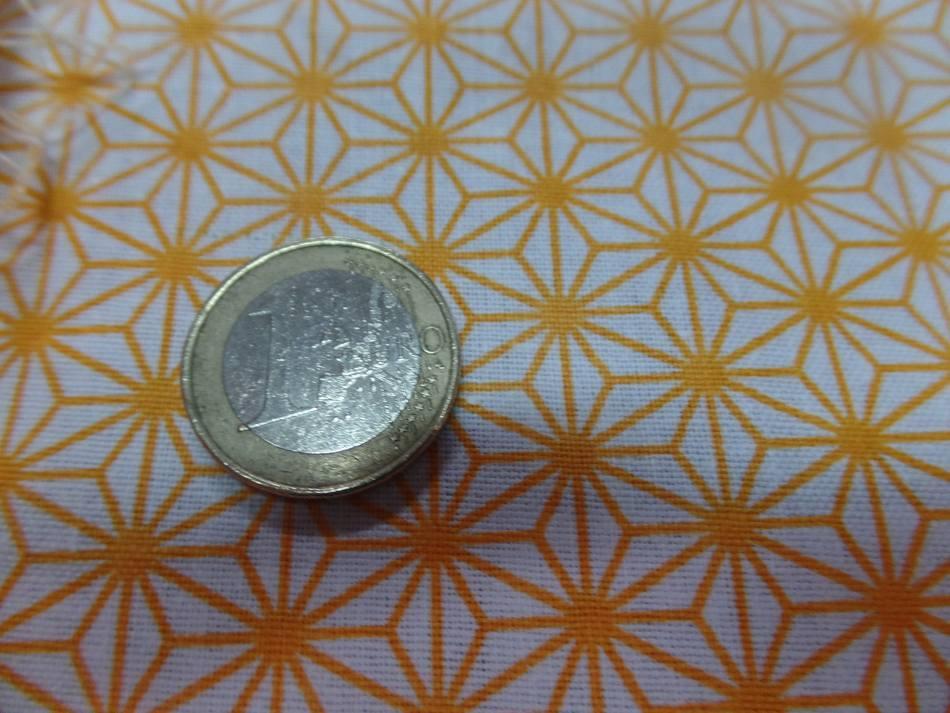 Coton 100 blanc imprime geometrique jaune en 1 45m de l2