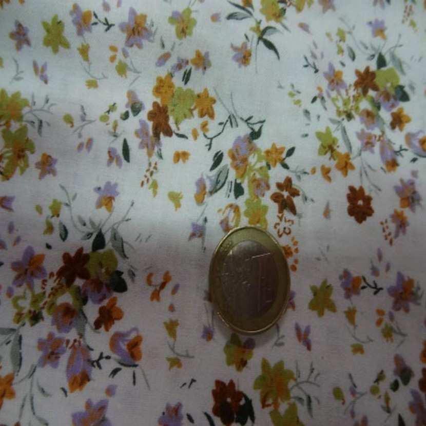 Coton blanc imprime petite fleurs ton de terre0