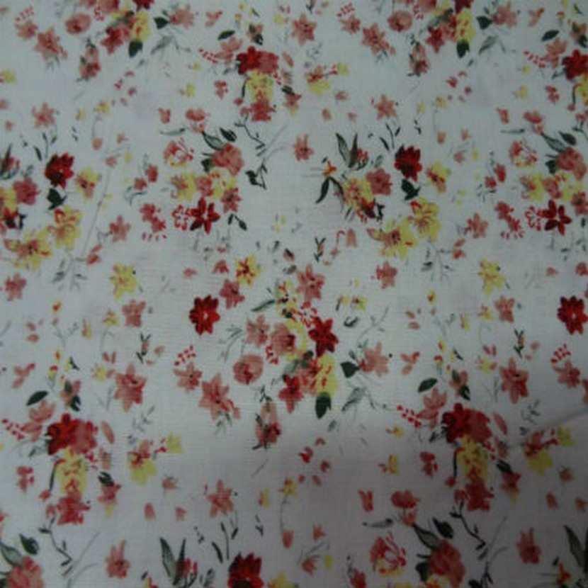 Coton blanc imprime petite fleurs ton rouge en 1 40m7