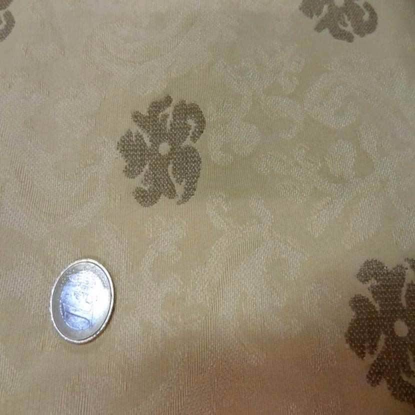 Coton d ameublement jaune paille damasse a motifs vieil or