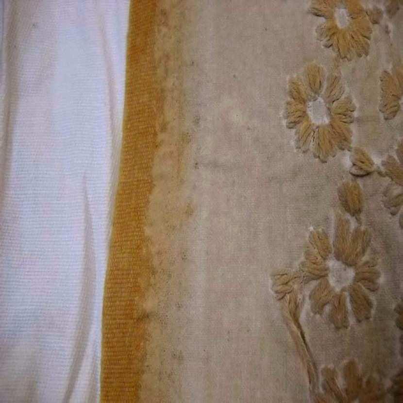 Coton d ameublement ton beige a petite fleurs brode7