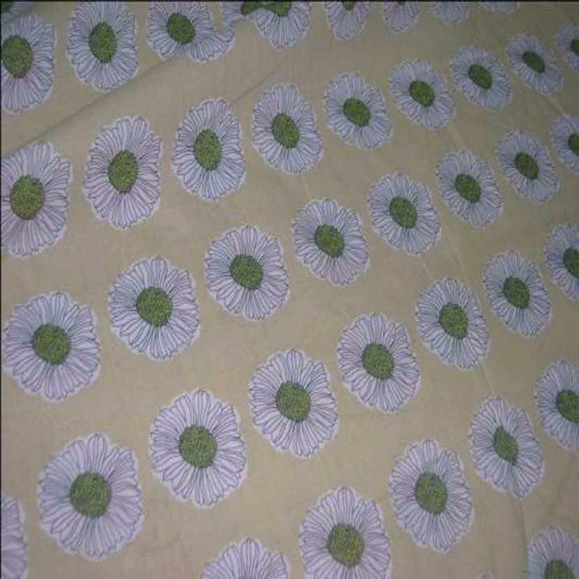 Coton fin beige imprime fleurs ton kaki
