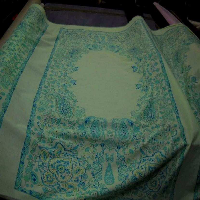 Coton fin vert imprime en 1 45m de large