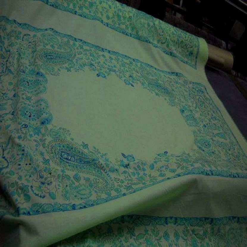 Coton fin vert imprime en 1 45m de large0