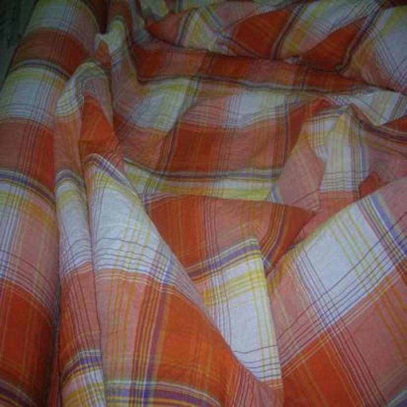 Coton froisse permanent imprime carreaux ton orange1