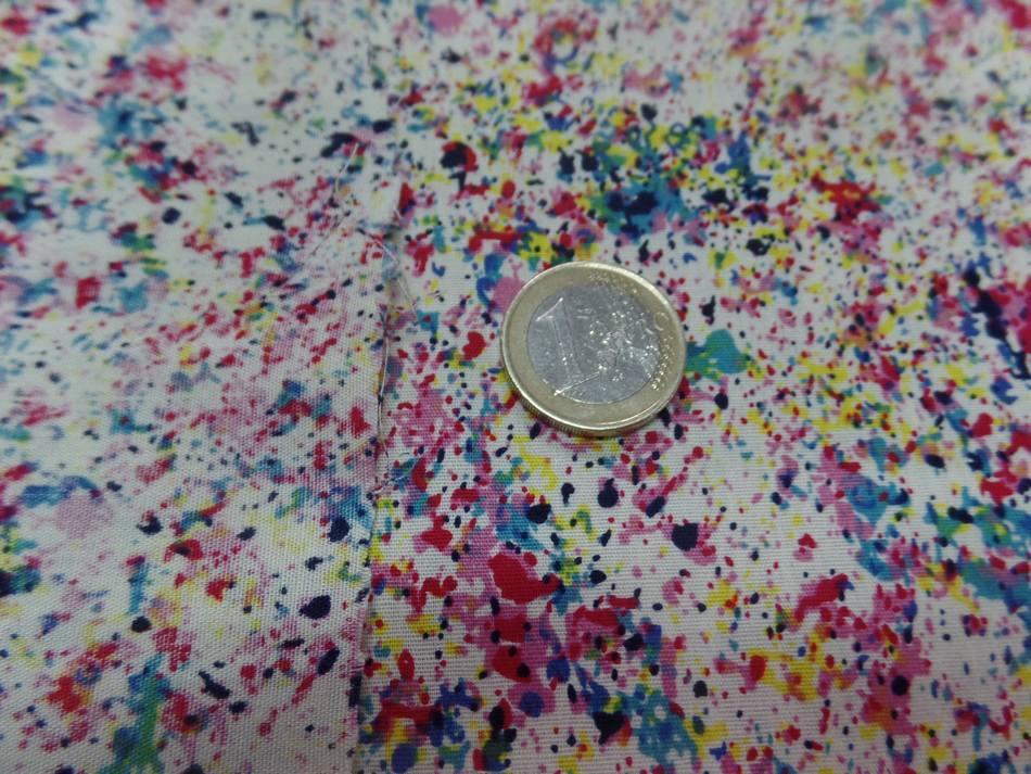 Coton popeline beige clair imprime liberty ton bordeaux rose bleu et jaune