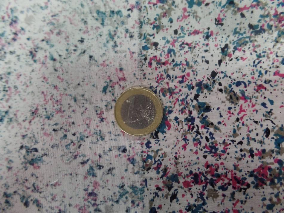 Coton popeline blanc cassé imprimé liberty ton noir,taupe,vert et rose