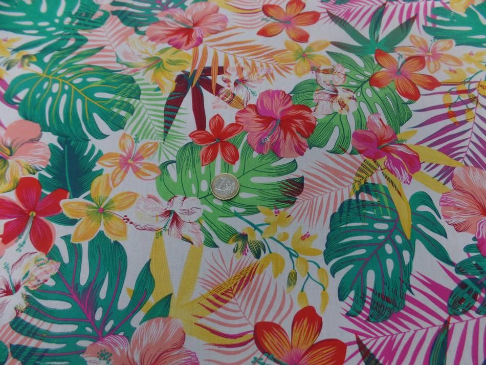 vente de tissu Coton popeline blanche imprimé hawaïen ton rouge ,jaune ,vert ,rose