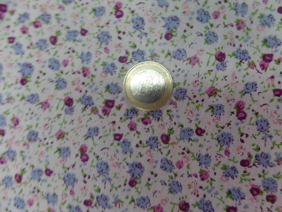 Coton popeline blanche imprime liberty fleurs ton bleu rose bordeaux38