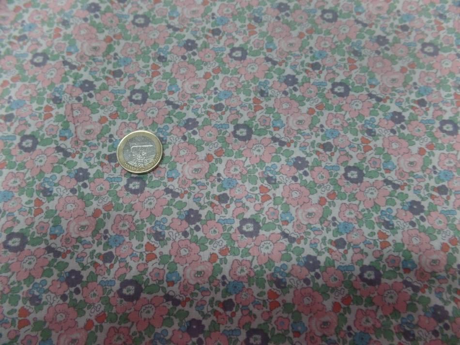tissu coton popeline blanche imprimé liberty fleurs ton saumon et vert
