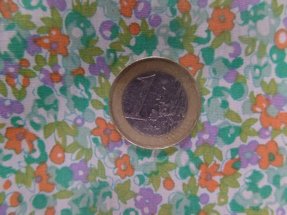 Coton popeline blanche imprimé liberty fleurs ton vert ,mauve et orange