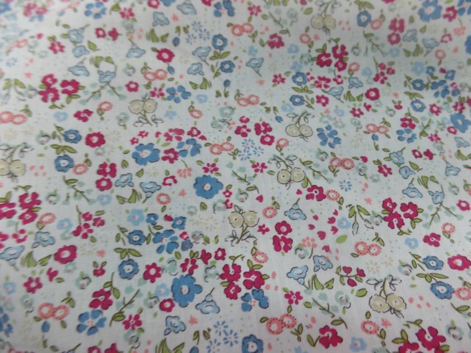 Coton popeline blanche imprime liberty rouge vert et bleu6