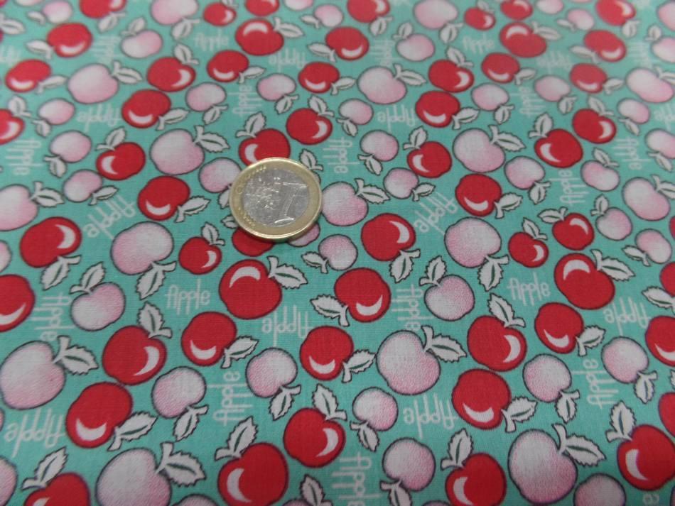 tissu coton popeline bleu imprime liberty motifs cerises rouge