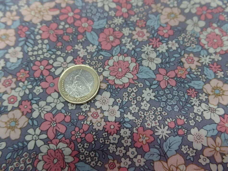 Coton popeline gris imprime liberty motifs fleurs saumon et beige
