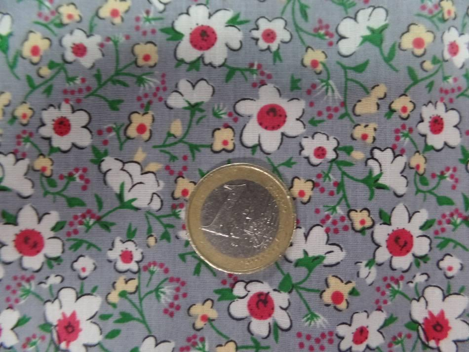 Coton popeline grise imprime liberty fleurs ton blanc et rouge6