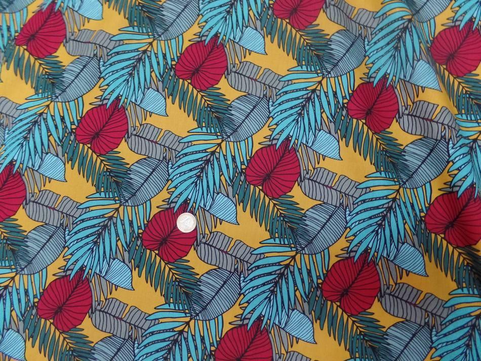 Coton popeline imprime fleurs ton bleu et rouge