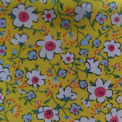 Coton popeline jaune imprime liberty fleurs ton blanc et rose4