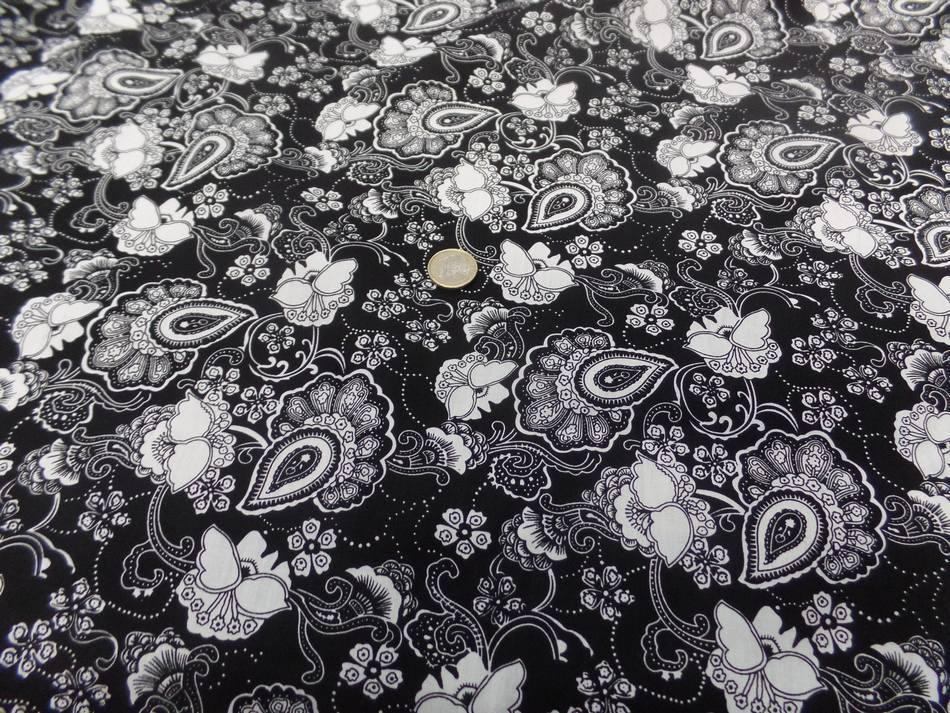coton popeline noire imprimé fleurs ton blanc a Marseille