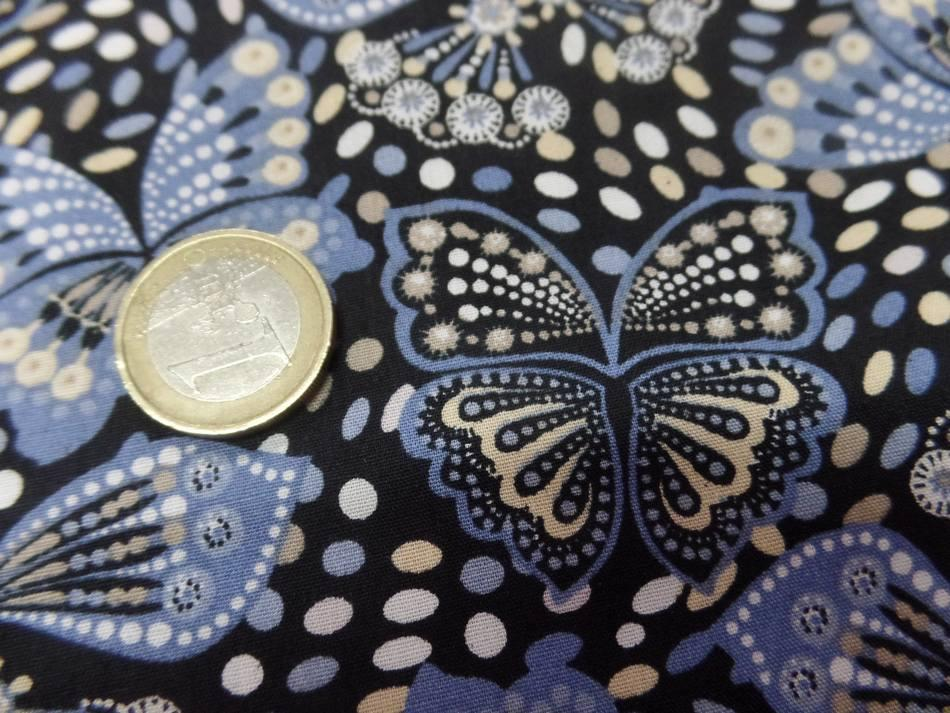 Coton popeline noire imprimé liberty papillon beige bleu et blanc pas cher