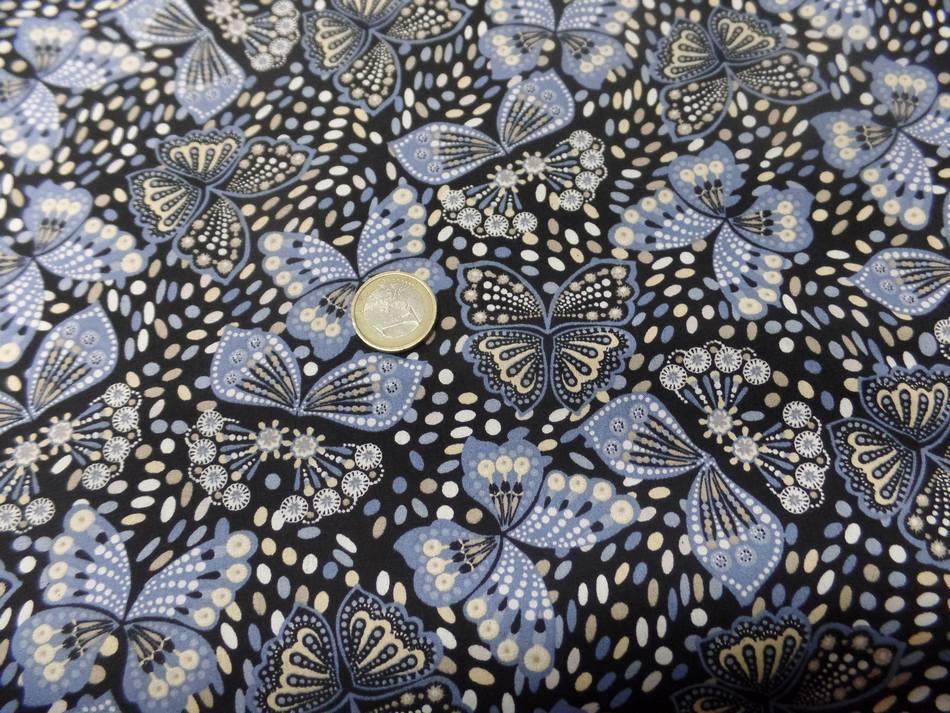 vente de Coton popeline noire imprimé liberty papillon beige bleu et blanc