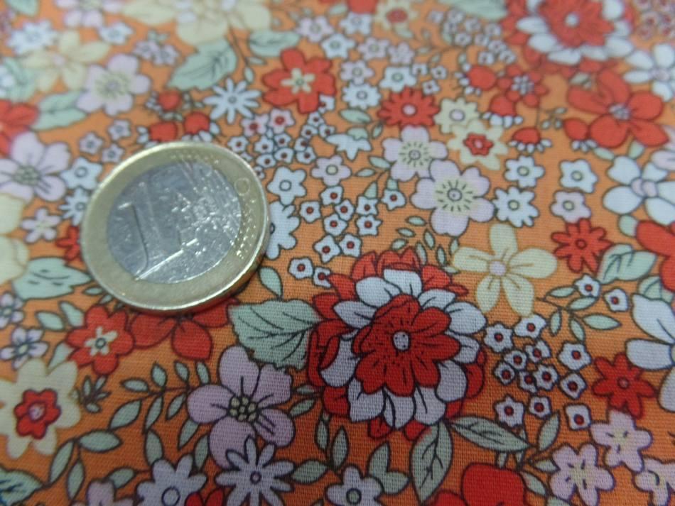 Coton popeline orange imprime liberty motifs petite fleurs4
