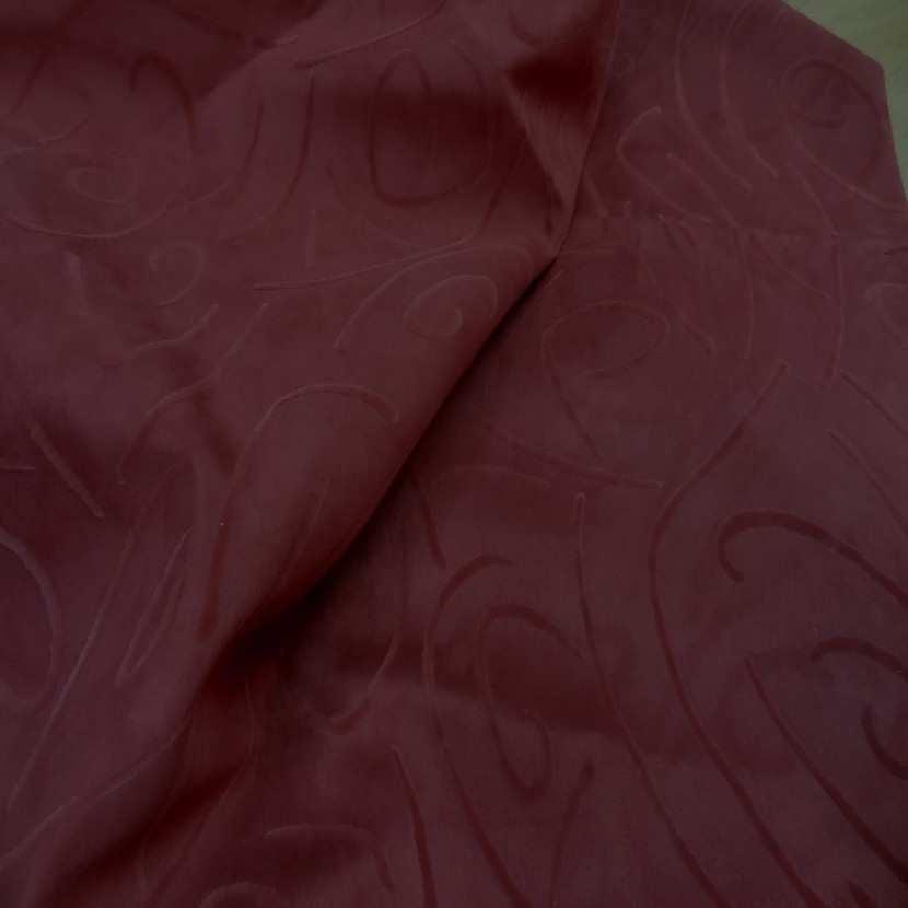 Coupon de 1m d alcantara rouge bordeaux a motifs0 1