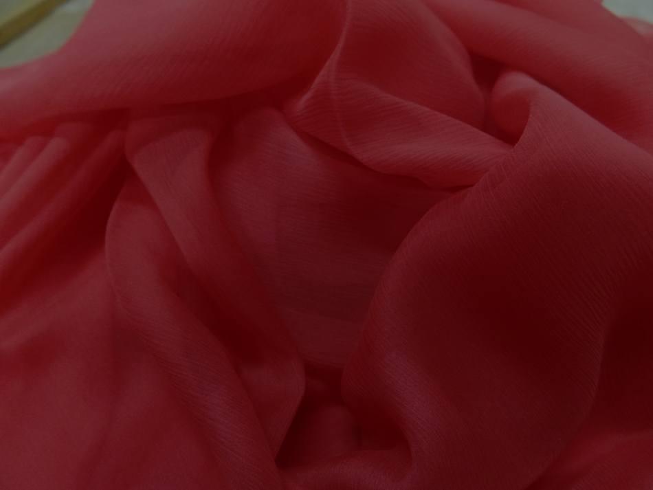 Coupon de 5m de mousseline de soie crepon rouge en 1 15m de large