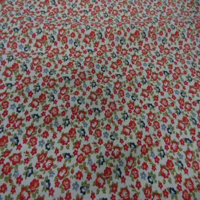 Coupon de coton blanc imprime liberty ton rouge
