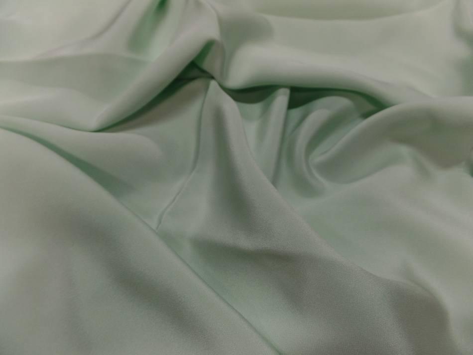 Coupon de crepe de soie 100 vert clair 0 80m