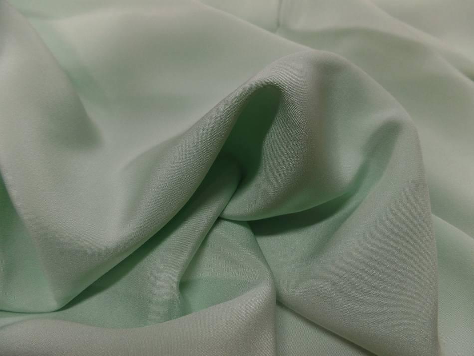Coupon de crepe de soie vert clair 0 80m4