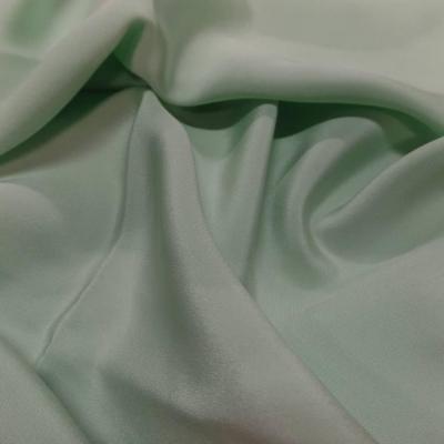 Coupon de crepe de soie vert clair