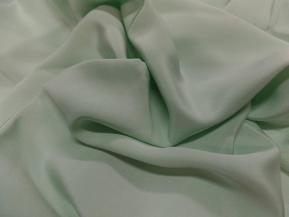 Coupon de crepe de soie vert clair0