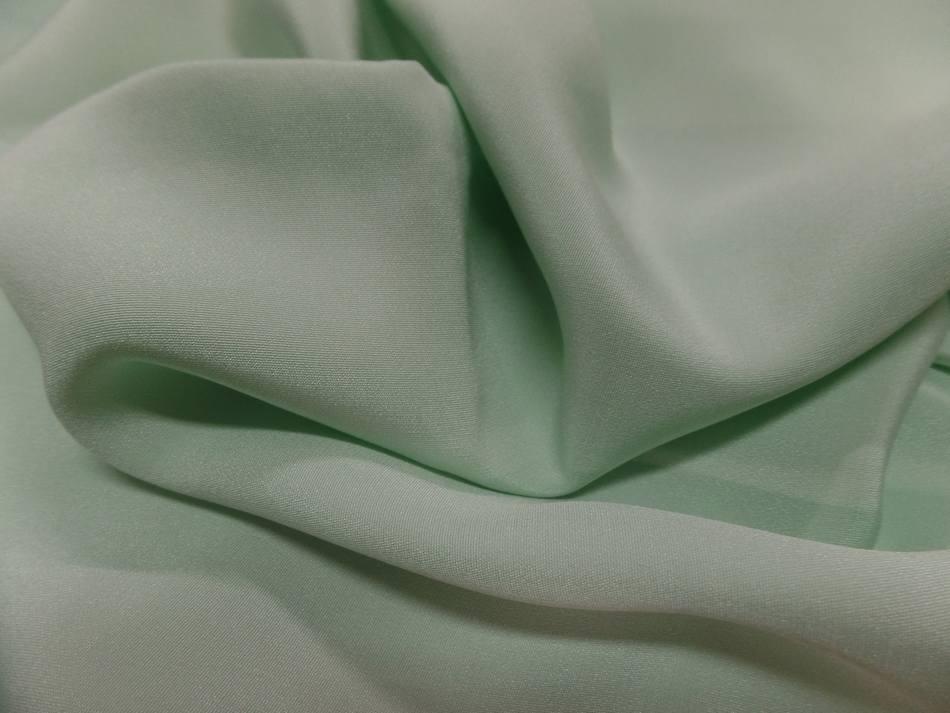 Coupon de crepe de soie vert clair1