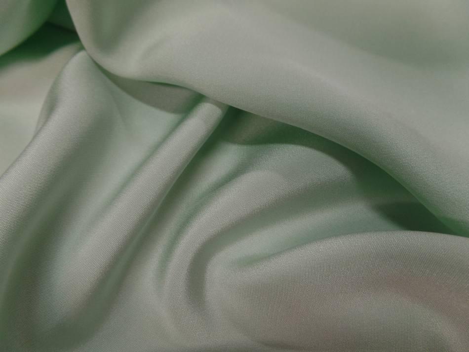 Coupon de crepe de soie vert clair9