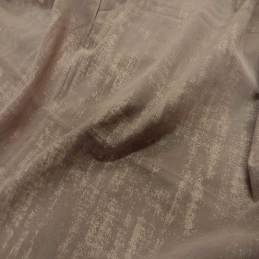 Coupon de gabardine beige coton a motifs devore velours 1 80m