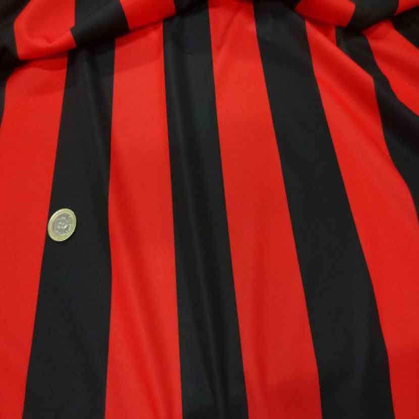 Coupon de jersey polyester a bandes rouge et noire 4m7