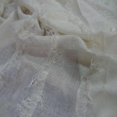 Coupon de lin blanc casse a frange 2 35m