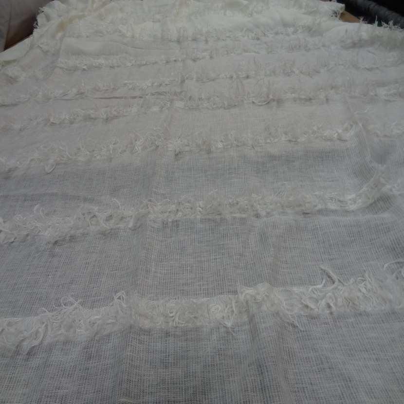 Coupon de lin blanc casse a frange 2 35m4