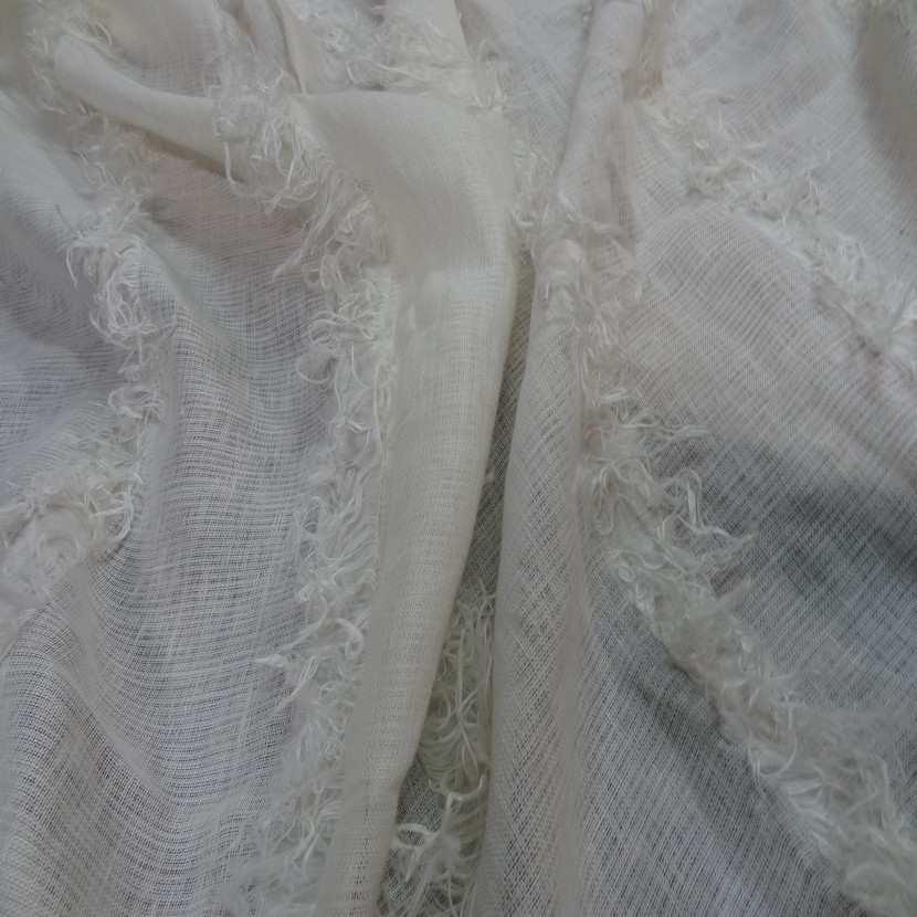 Coupon de lin blanc casse a frange 2 35m8
