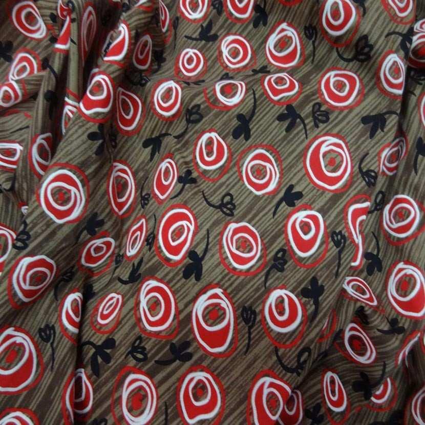 Coupon de lycra imprime marron rouge noir et blanc 1 80m4