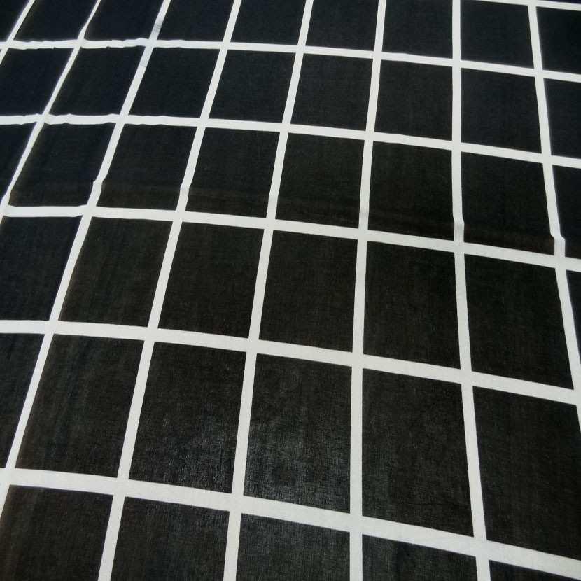 Coupon de mousseline noire a carreaux blanc 1 60m9